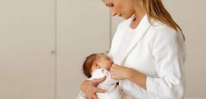 رابطه عجیب شیر مادر و اعتماد به نفس