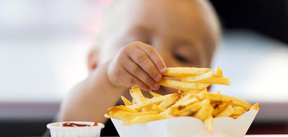 فست فود تهدیدی برای سلامت کودکان